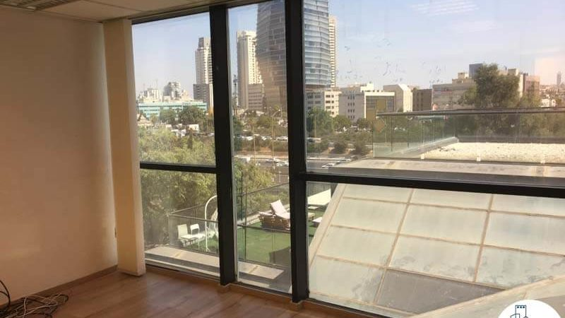 חדר ישיבות במשרד להשכרה בשכונת מונטיפיורי תל אביב