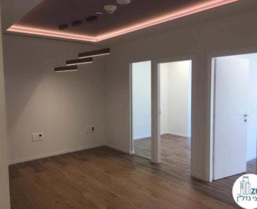 פינת כניסה במשרד להשכרה במגדל WE תל אביב