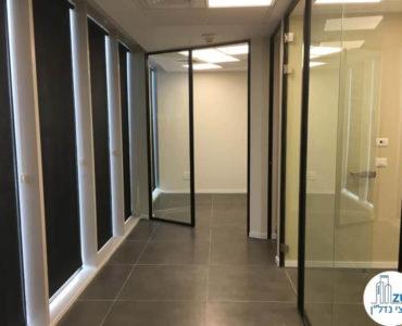 מסדרון במשרד במגדל WE תל אביב