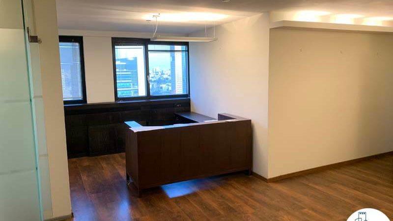עמדת קבלה במשרד להשכרה במגדל דניאל פריש תל אביב