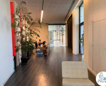 מסדרון במשרד להשכרה בתל אביב