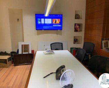 חדר ישיבות במשרד להשכרה ברחוב המסגר תל אביב