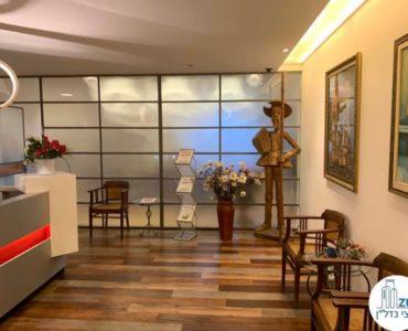 פינת כניסה במשרד להשכרה בבית קרדן תל אביב