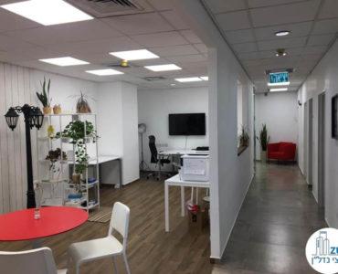 פינת כניסה במשרד למכירה בתל אביב