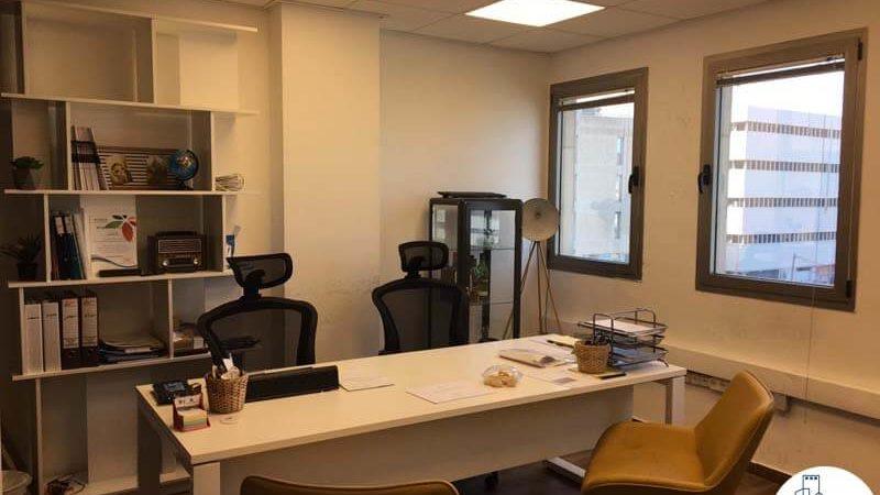 חדר מנהלים במשרד למכירה בתל אביב