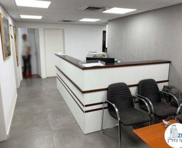 עמדת קבלה במשרד להשכרה בכיכר רבין תל אביב