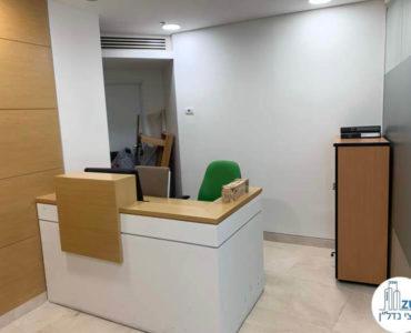 עמדת קבלה במשרד להשכרה במתחם בית המשפט תל אביב