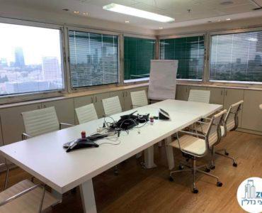 חדר ישיבות במשרד להשכרה במתחם בית המשפט תל אביב