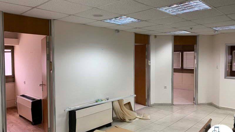 כניסה לחדרים במשרד להשכרה בבית הדר דפנה תל אביב