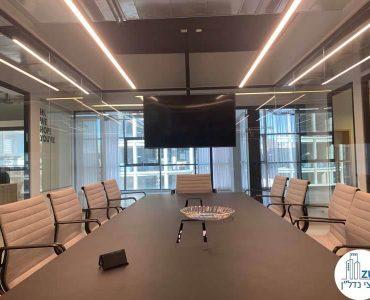 חדר ישיבות במשרד להשכרה בחסן ערפה תל אביב