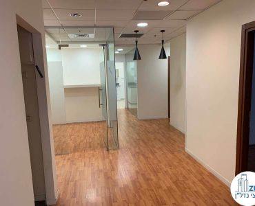 מסדרון במשרד להשכרה במגדל המוזיאון תל אביב