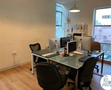 חדר עבודה במשרד להשכרה ברחוב אחד העם תל אביב
