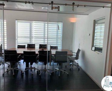 חדר ישיבות במשרד להשכרה במתחם רוטשילד תל אביב