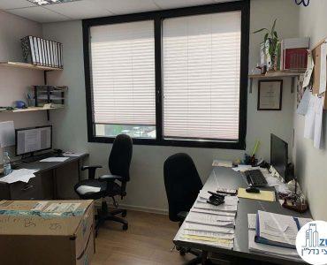 חדר במשרד להשכרה ליד עזריאלי תל אביב