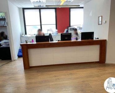 עמדת קבלה במשרד להשכרה ליד עזריאלי תל אביב