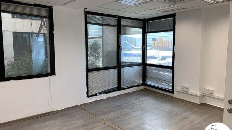 חדר פינתי במשרד להשכרה ליד עזריאלי תל אביב