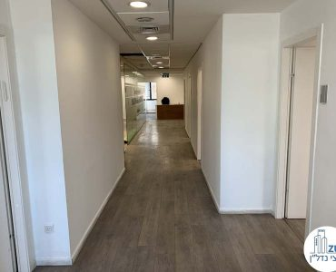מסדרון במשרד להשכרה ליד עזריאלי תל אביב