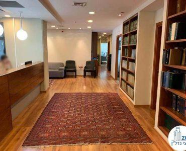 עמדת קבלה במשרד להשכרה במגדל כלבו שלום תל אביב