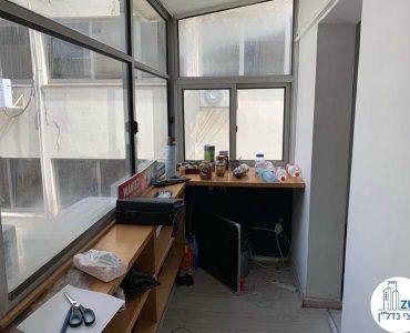 מרפסת סגורה של משרד להשכרה במתחם רוטשילד תל אביב