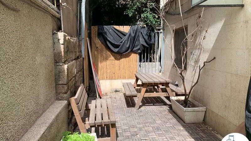 מרפסת של משרד להשכרה במתחם רוטשילד תל אביב
