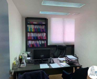 חדר עבודה של משרד להשכרה בציר יגאל אלון תל אביב
