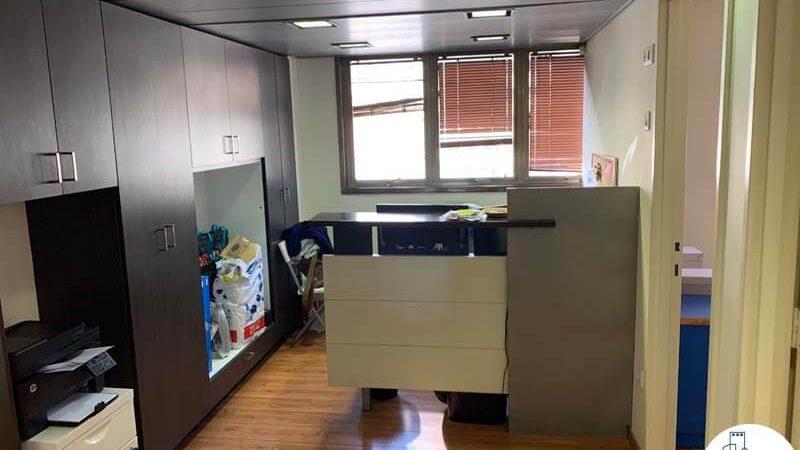 עמדת קבלה במשרד להשכרה בשכונת מונטיפיורי תל אביב