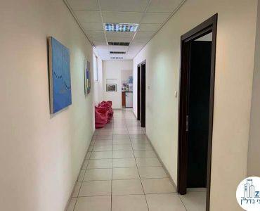מסדרון במשרד להשכרה בתל אביב במתחם שרונה