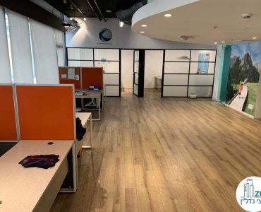 עמדות עבודה במשרד להשכרה בציר מנחם בגין תל אביב