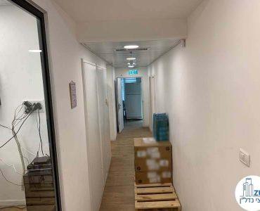 מסדרון של משרד להשכרה בשכונת נחלת יצחק תל אביב