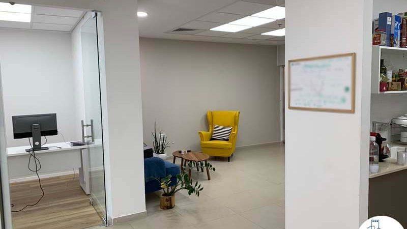 כניסה לחדר של משרד להשכרה במגדלי אלון תל אביב