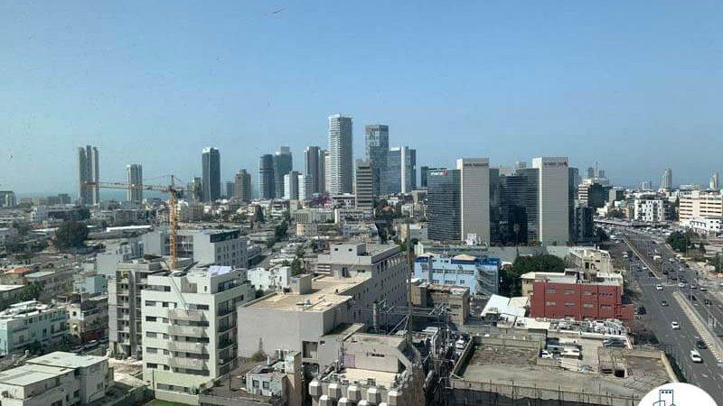 נוף מחלון של משרד להשכרה בתל אביב במגדל אלקטרה סיטי
