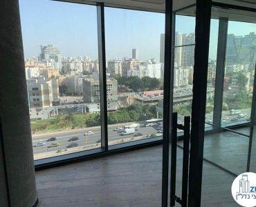 כניסה לחדר של משרד להשכרה במגדל רסיטל תל אביב