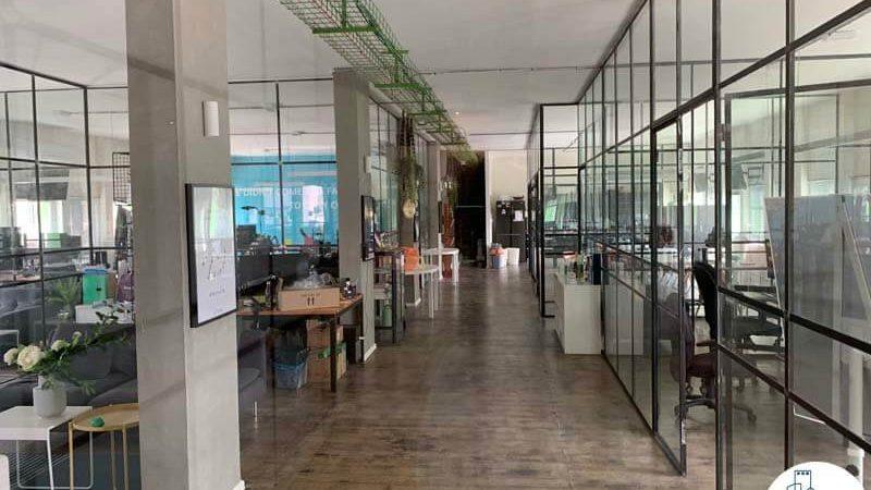 מסדרון של משרד להשכרה בבית הירוק תל אביב