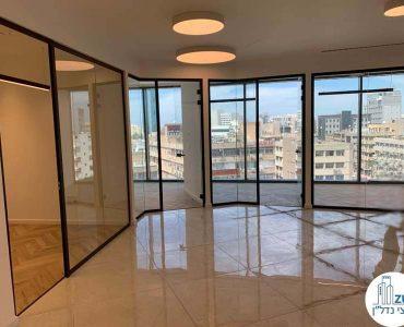 כניסה לחדרים של משרד להשכרה במגדל ספיר רמת גן