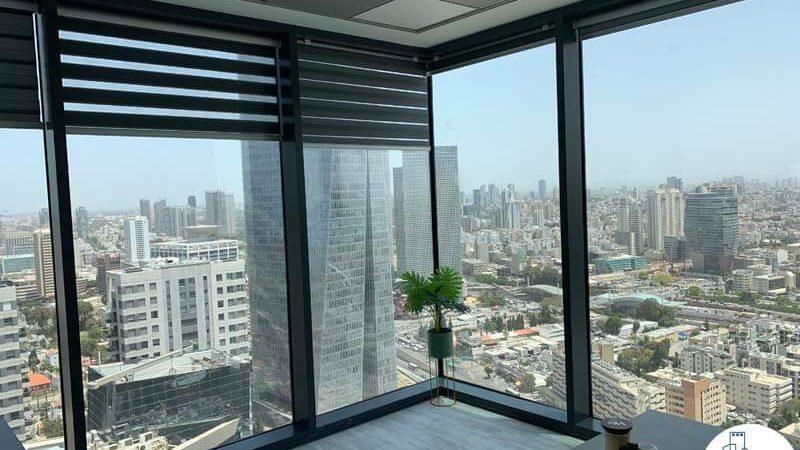 חדר פינתי של קליניקה להשכרה במגדלי הארבעה תל אביב
