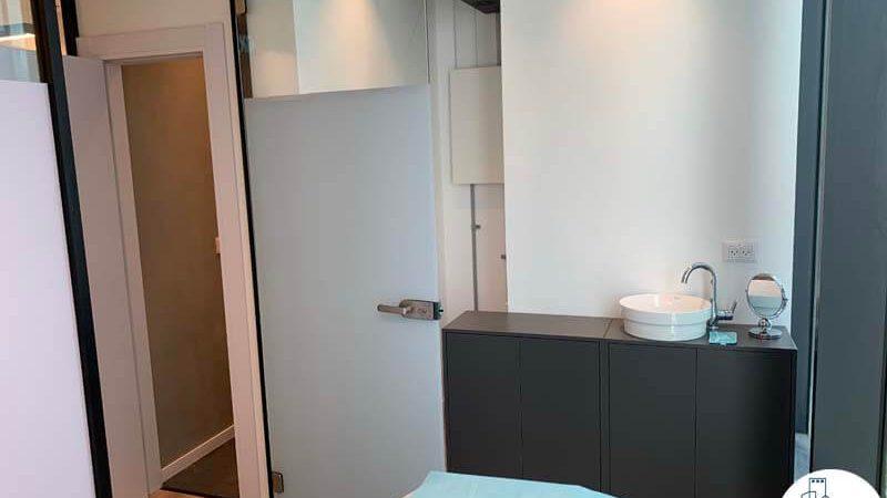 חדר טיפולים במשרד של לקוחה מרוצה מעסקת תיווך במגדלי הארבעה תל אביב
