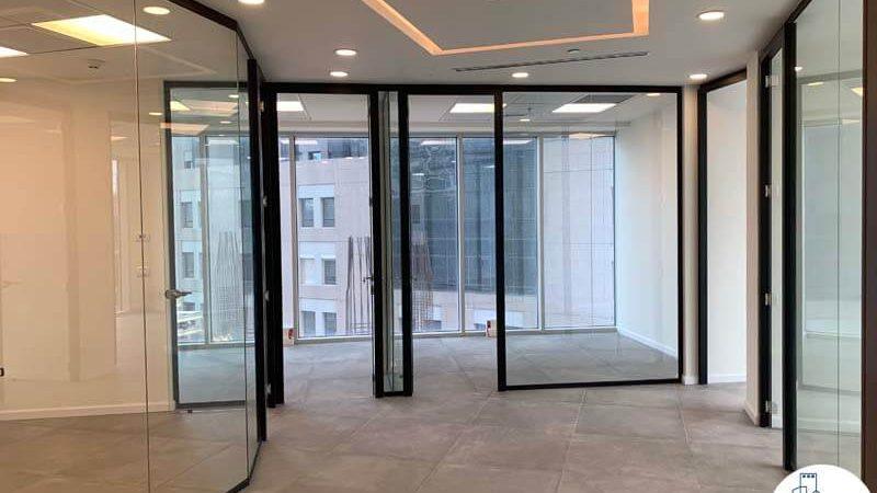 כניסה לחדרים של משרד להשכרה במגדל WE תל אביב