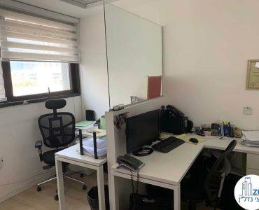 עמדות עבודה של משרד להשכרה בנחלת יצחק תל אביב