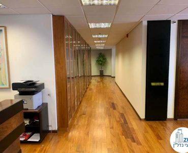 מסדרון של משרד להשכרה במגדל דניאל פריש תל אביב