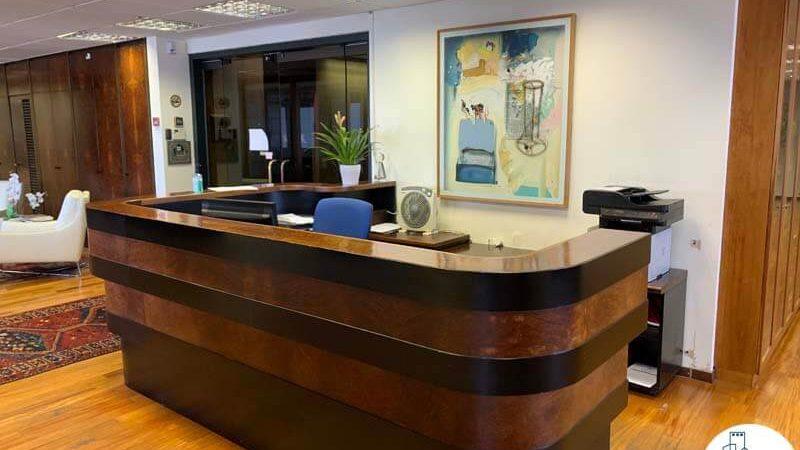 עמדת קבלה של משרד להשכרה במגדל דניאל פריש תל אביב