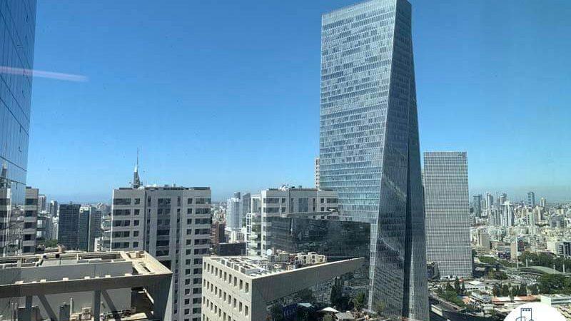 נוף מחלון של משרד להשכרה במגדלי הארבעה תל אביב