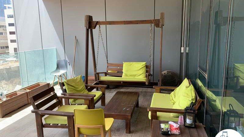 מרפסת של משרד להשכרה בנחלת יצחק תל אביב