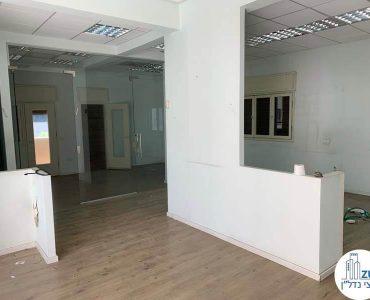 כניסה לחדרים של משרד להשכרה בשדרות רוטשילד תל אביב