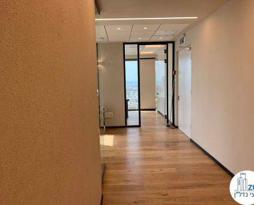 מסדרון של משרד להשכרה במגדל רסיטל תל אביב