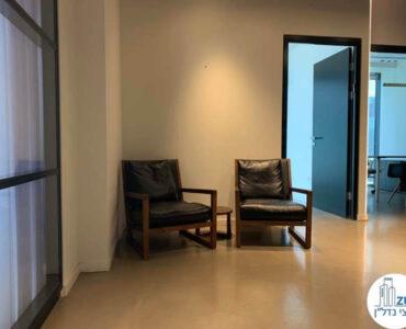 פינת המתנה של השכרת משרד במגדלי הארבעה תל אביב