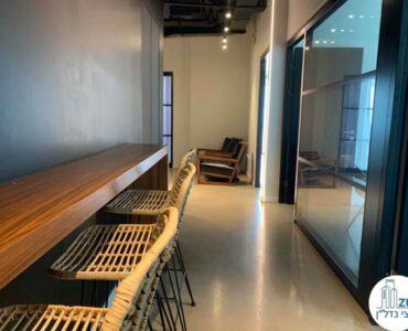 פינת אוכל של השכרת משרד במגדלי הארבעה תל אביב