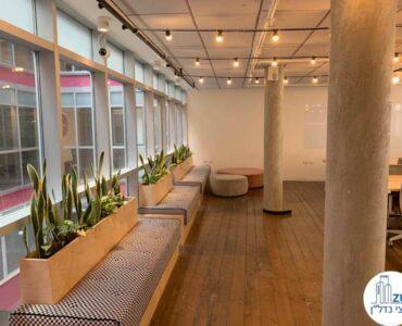 פינת ישיבה של השכרת משרד במתחם רוטשילד תל אביב