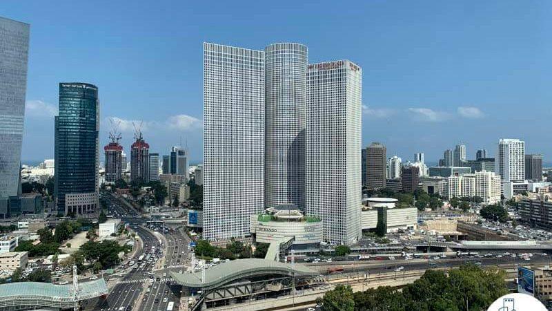 נוף למגדלי עזריאלי מחלון של משרד להשכרה במגדל תוהא תל אביב