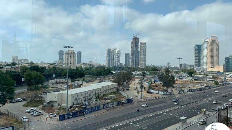 נוף מחלון של משרד להשכרה במגדל WE תל אביב