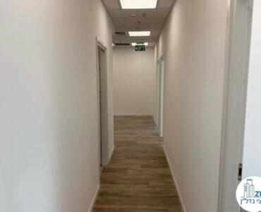 מסדרון של השכרת משרד במגדל WE תל אביב